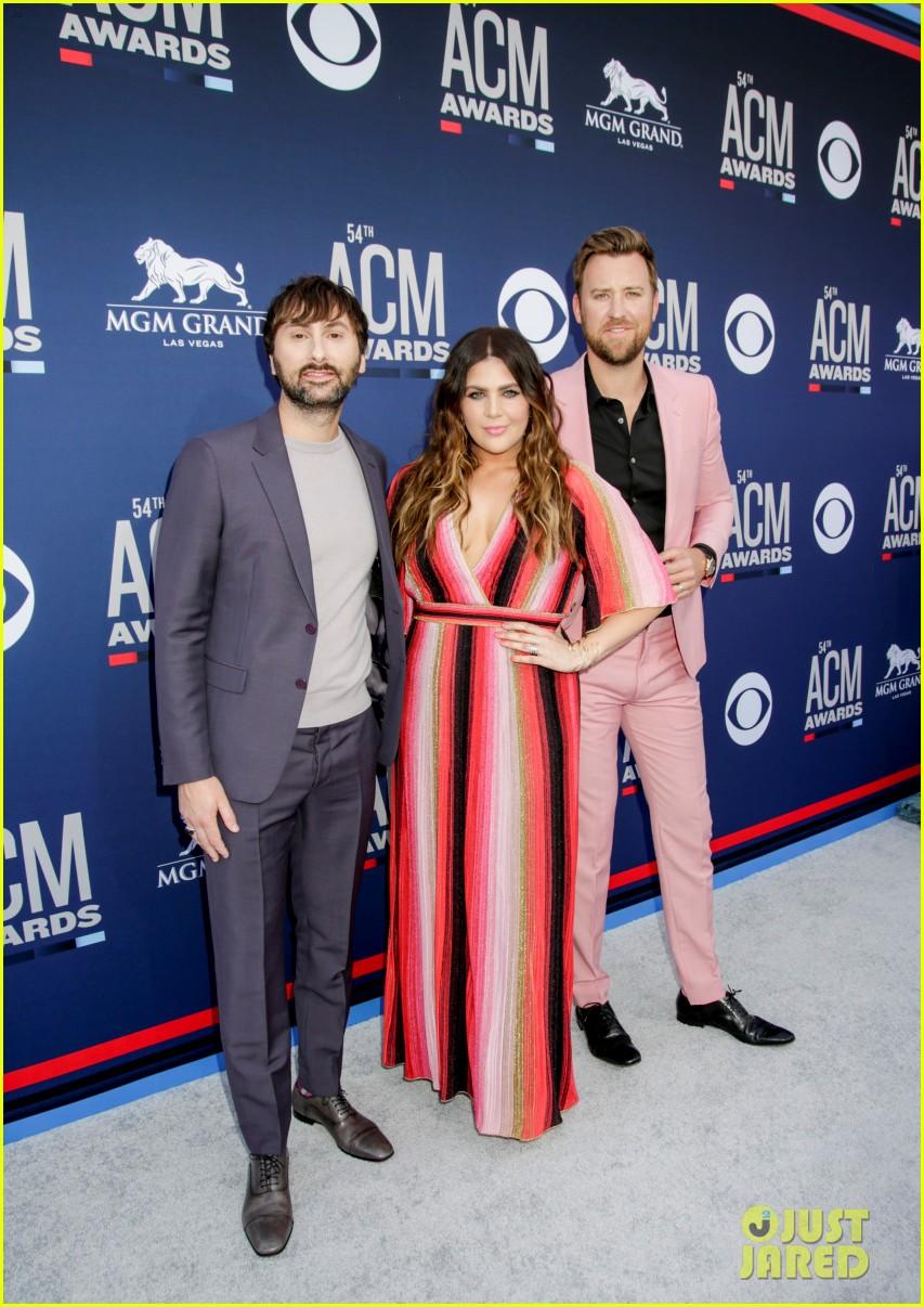 lady antebellum brighten up carpet at acm awards 2019 04