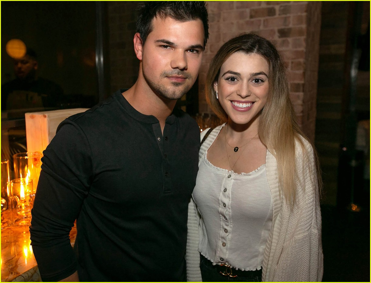 Taylor Lautner Amp Girlfriend Tay Dome Wine Amp Dine In San