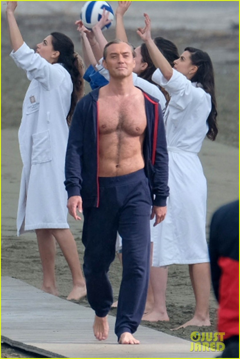 jude law leaves little imagination shirtless young pope scene 03