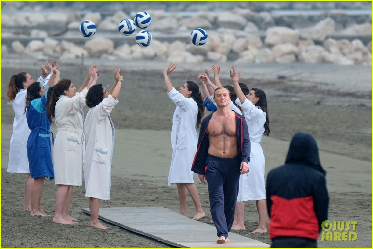 jude law leaves little imagination shirtless young pope scene 10