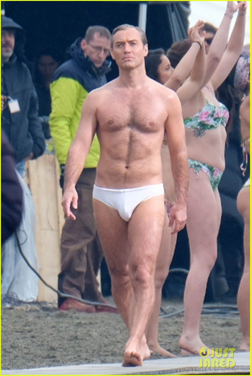 jude law leaves little imagination shirtless young pope scene 23
