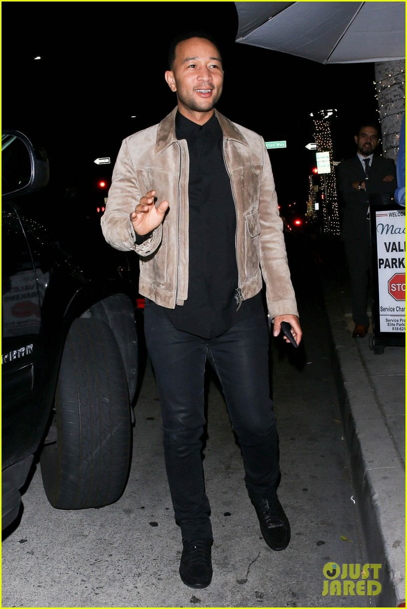 john legend meets up with friend for dinner 014275639