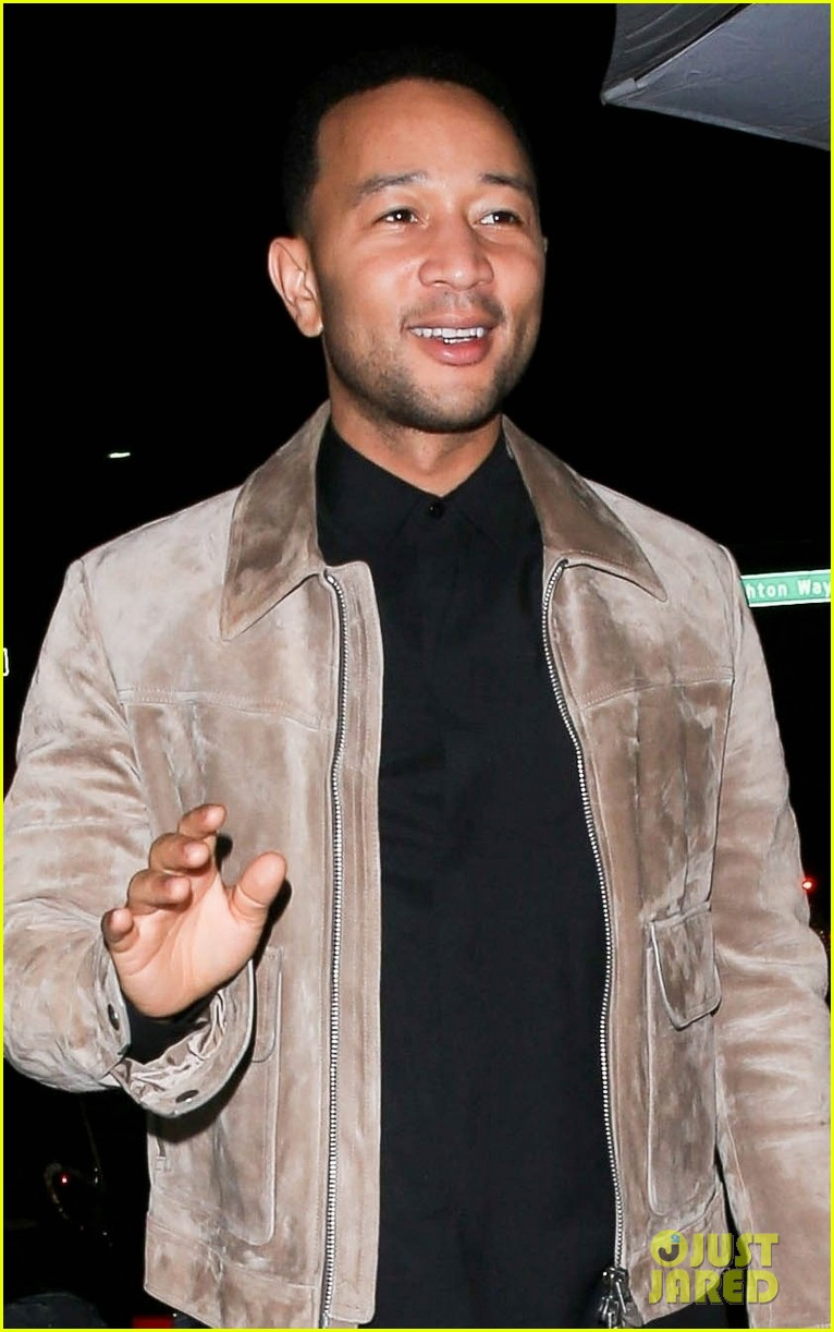 john legend meets up with friend for dinner 044275642