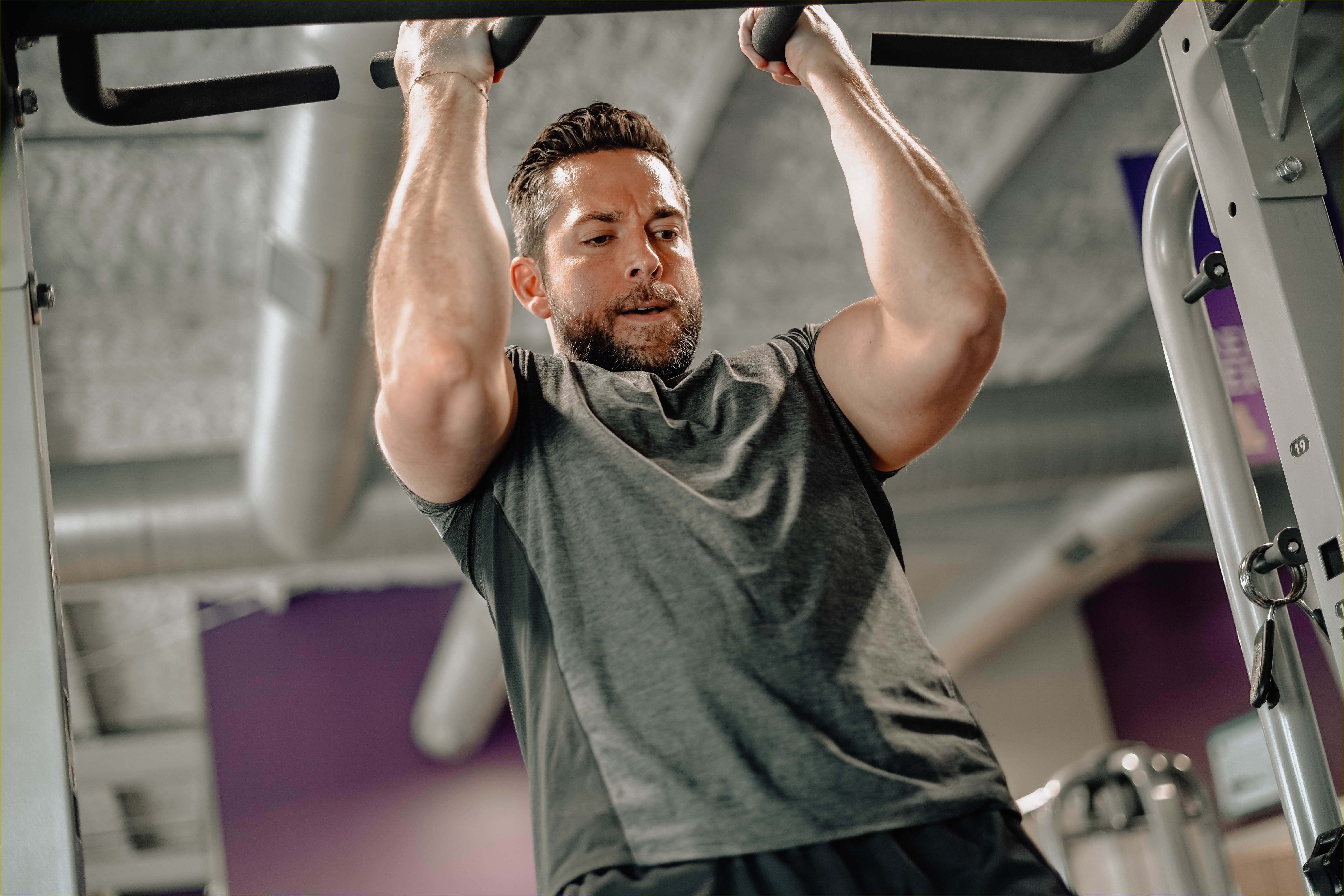 zachary levi bares massive biceps promoting flow supplements company 01