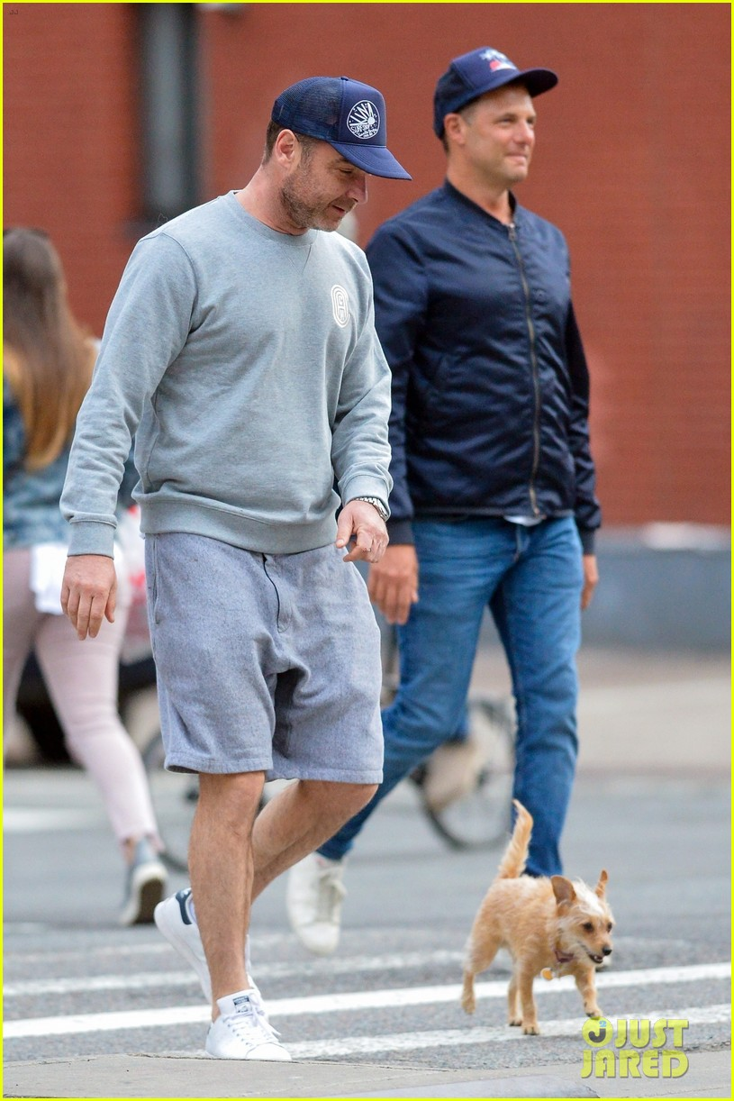 Liev Schreiber Bumps Into Stephen Dorff After in NYC ...