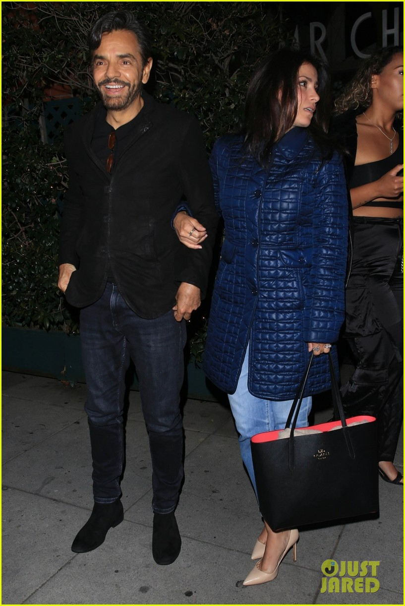 eva longoria jose baston grab dinner in beverly hills 01