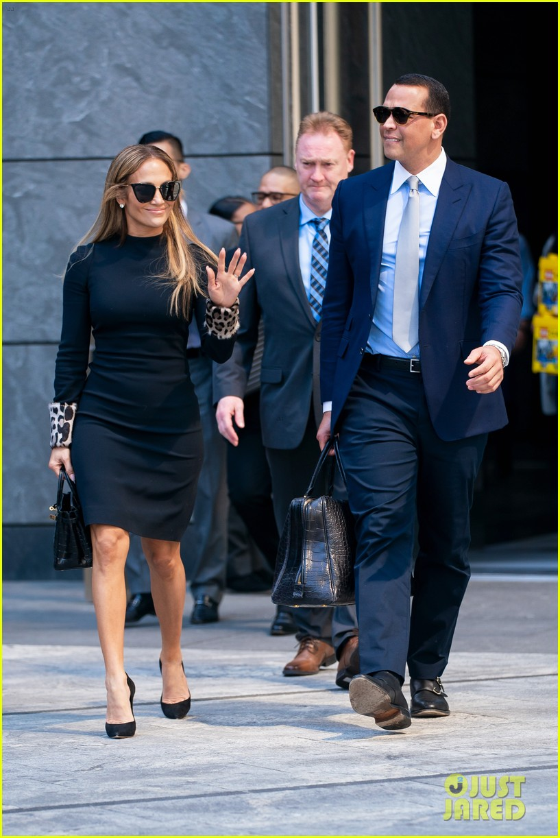jennifer lopez and alex rodriguez share a kiss while out in nyc 01