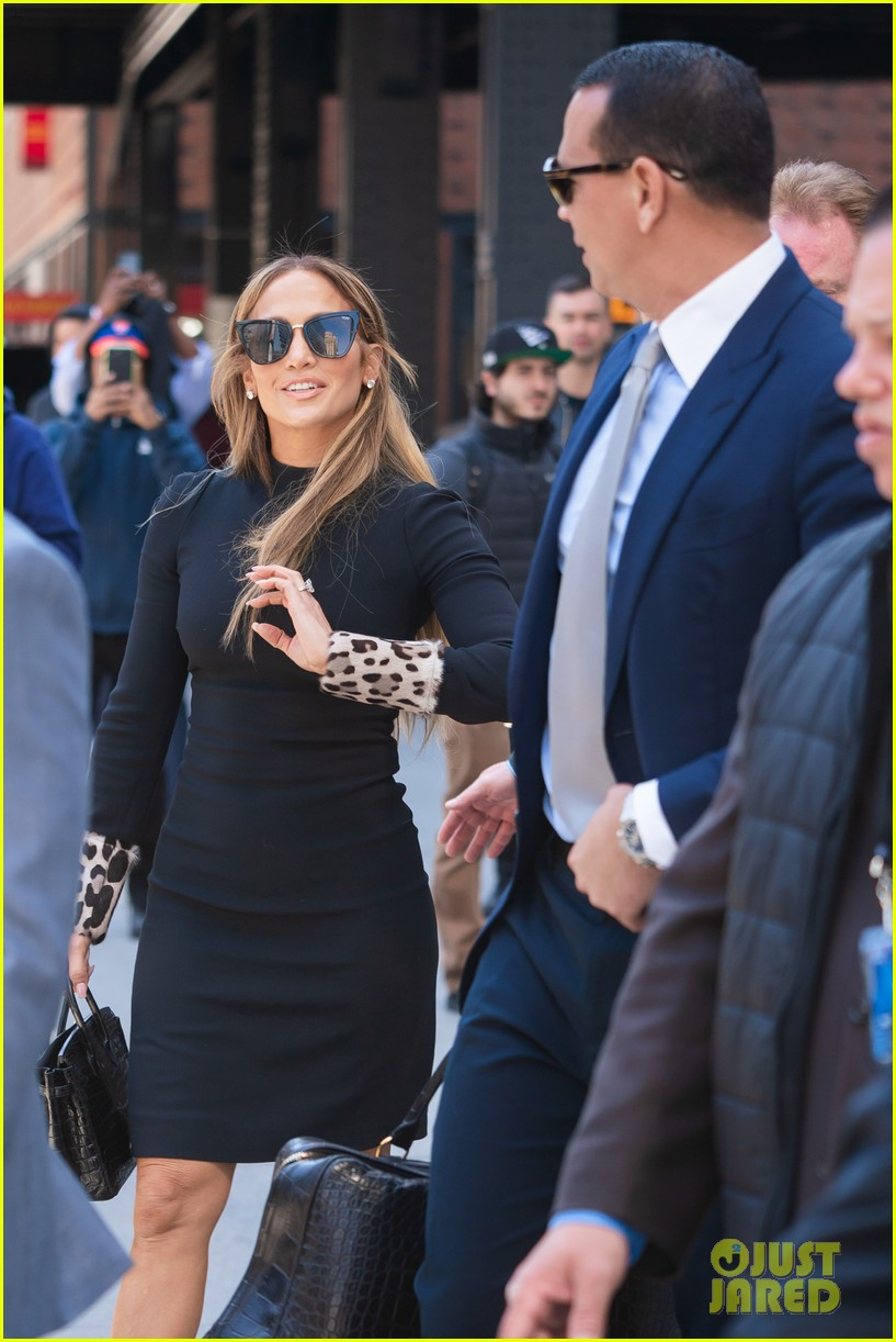jennifer lopez and alex rodriguez share a kiss while out in nyc 03