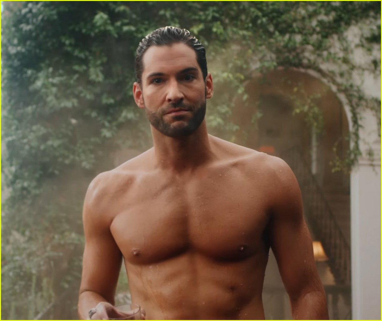 Lucifer Season 4 Release Date Netflix Nederland: Tom Ellis Bares His Hot Chiseled Abs For 'Lucifer' Date