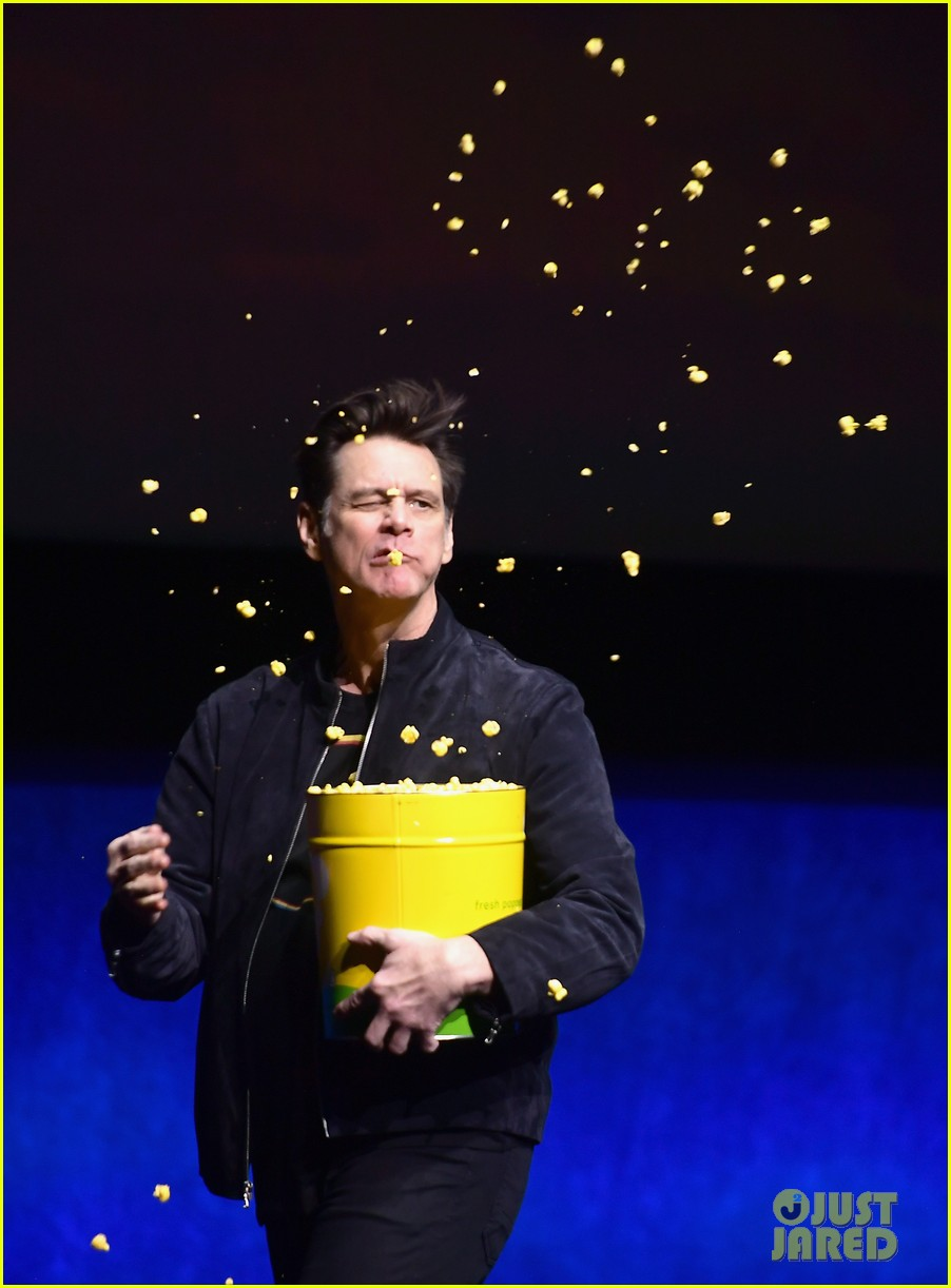 james marsden jim carrey sonic the hedgehog cinemacon 01