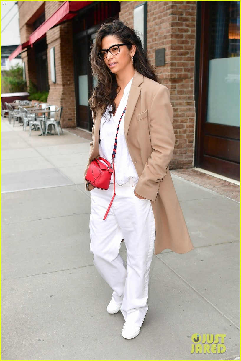 matthew mcconaughey camila alves step out for the day in nyc 02