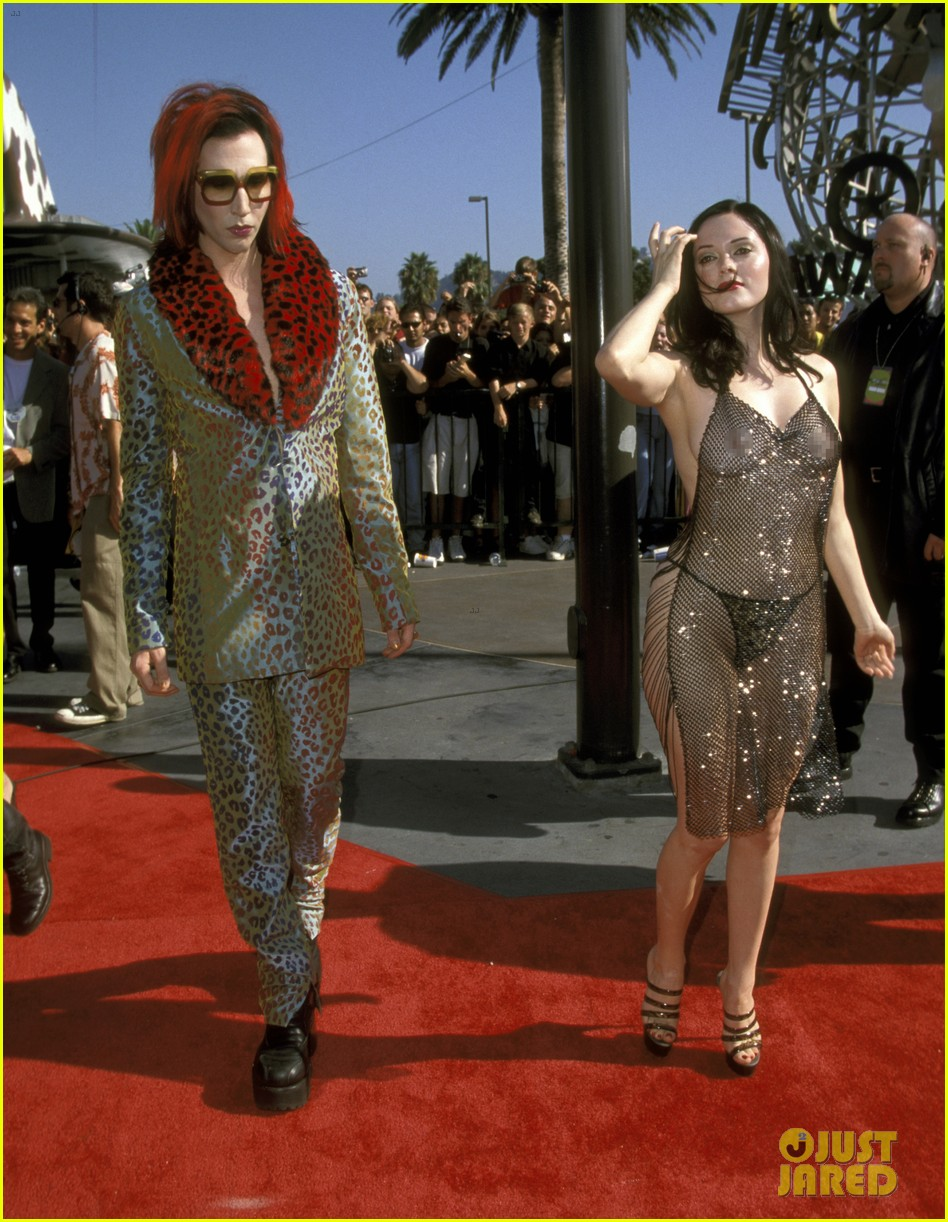 rose mcgowan explains why she wore this dress to vmas 014279869