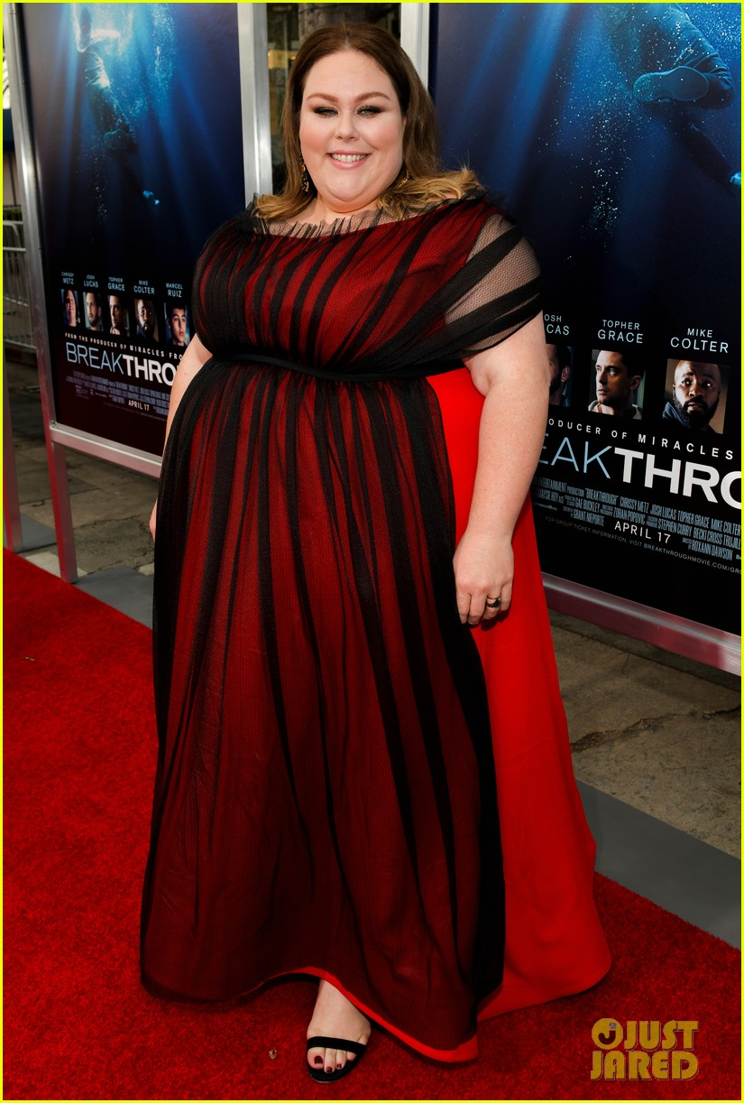 chrissy metz gets support from this is us cast at breakthrough premiere 01