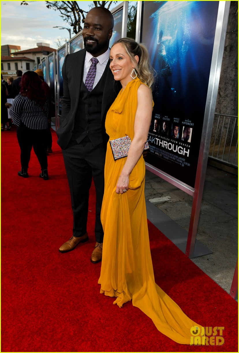 chrissy metz gets support from this is us cast at breakthrough premiere 03