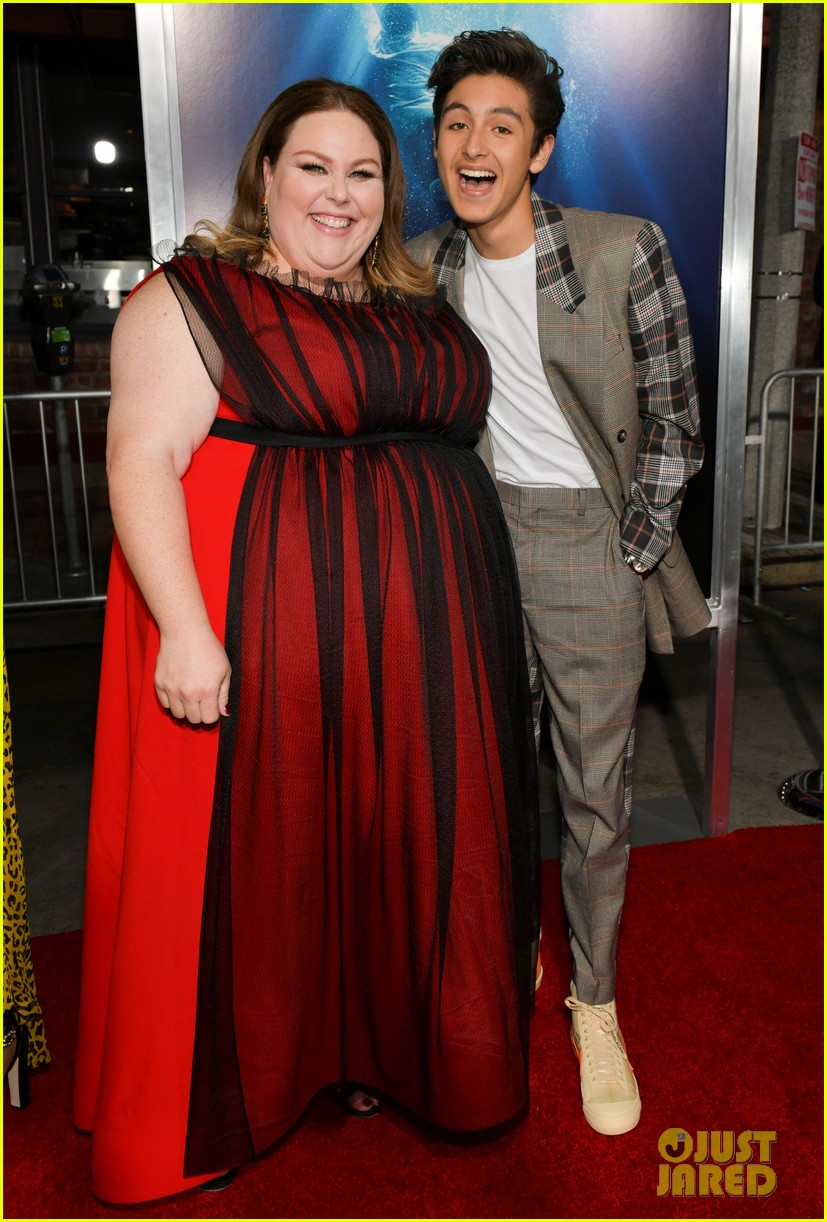 chrissy metz gets support from this is us cast at breakthrough premiere 304271521