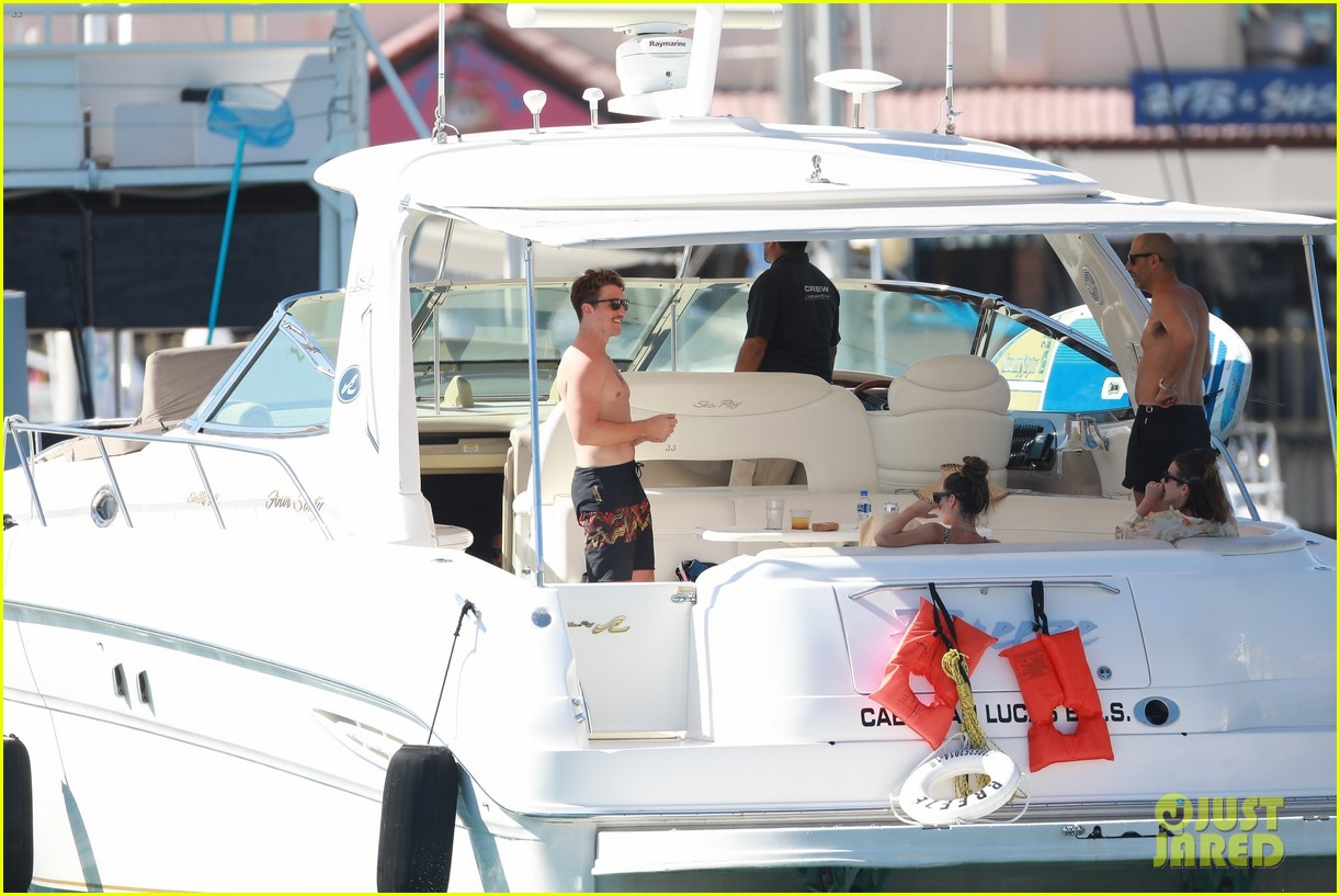 miles teller keleigh sperry vacation april 2019 10