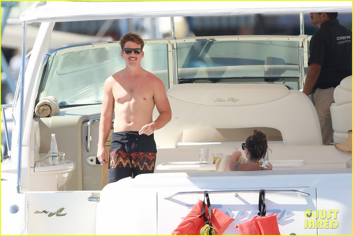 miles teller keleigh sperry vacation april 2019 11