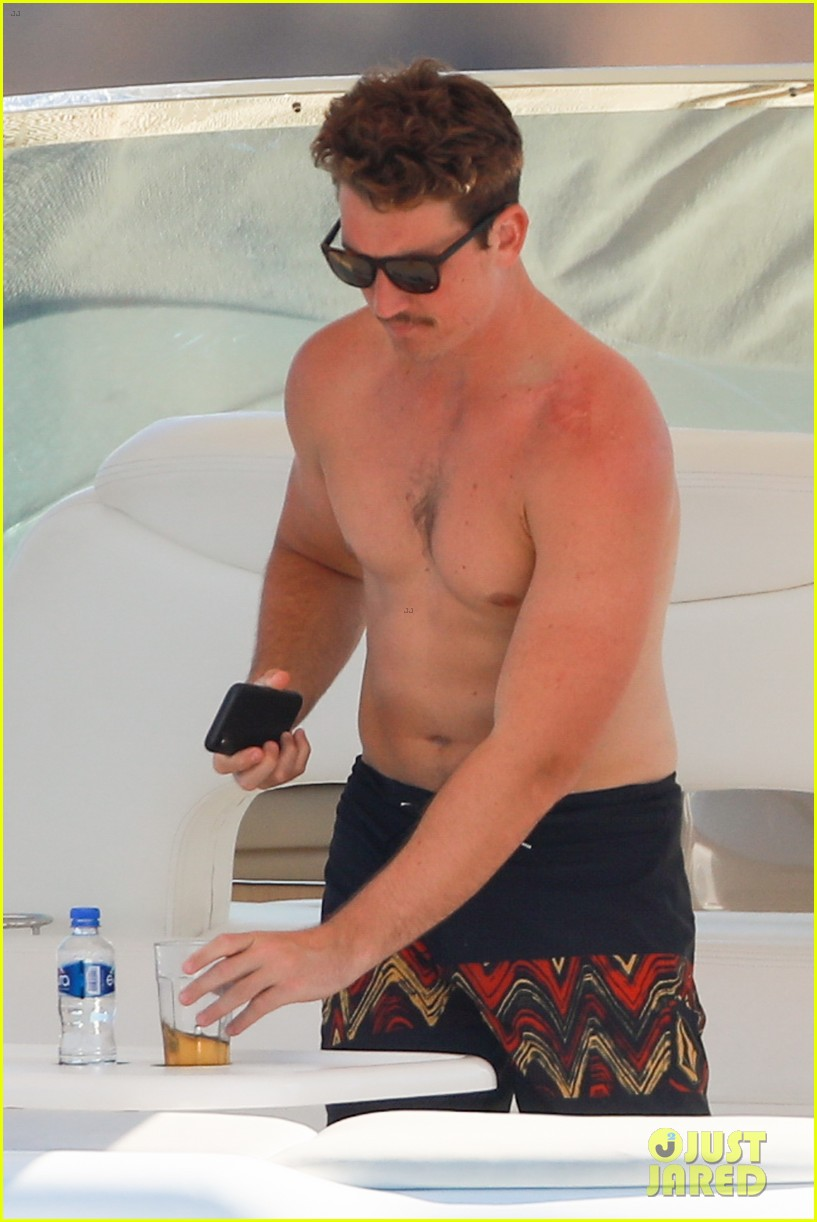 miles teller keleigh sperry vacation april 2019 19