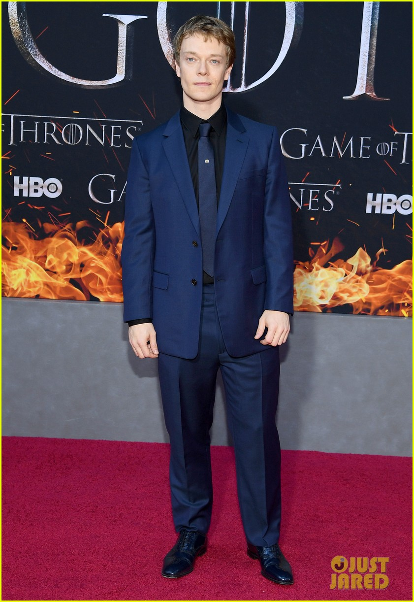 jason momoa and peter dinklage join game of thrones cast at season 8 premiere 034266862