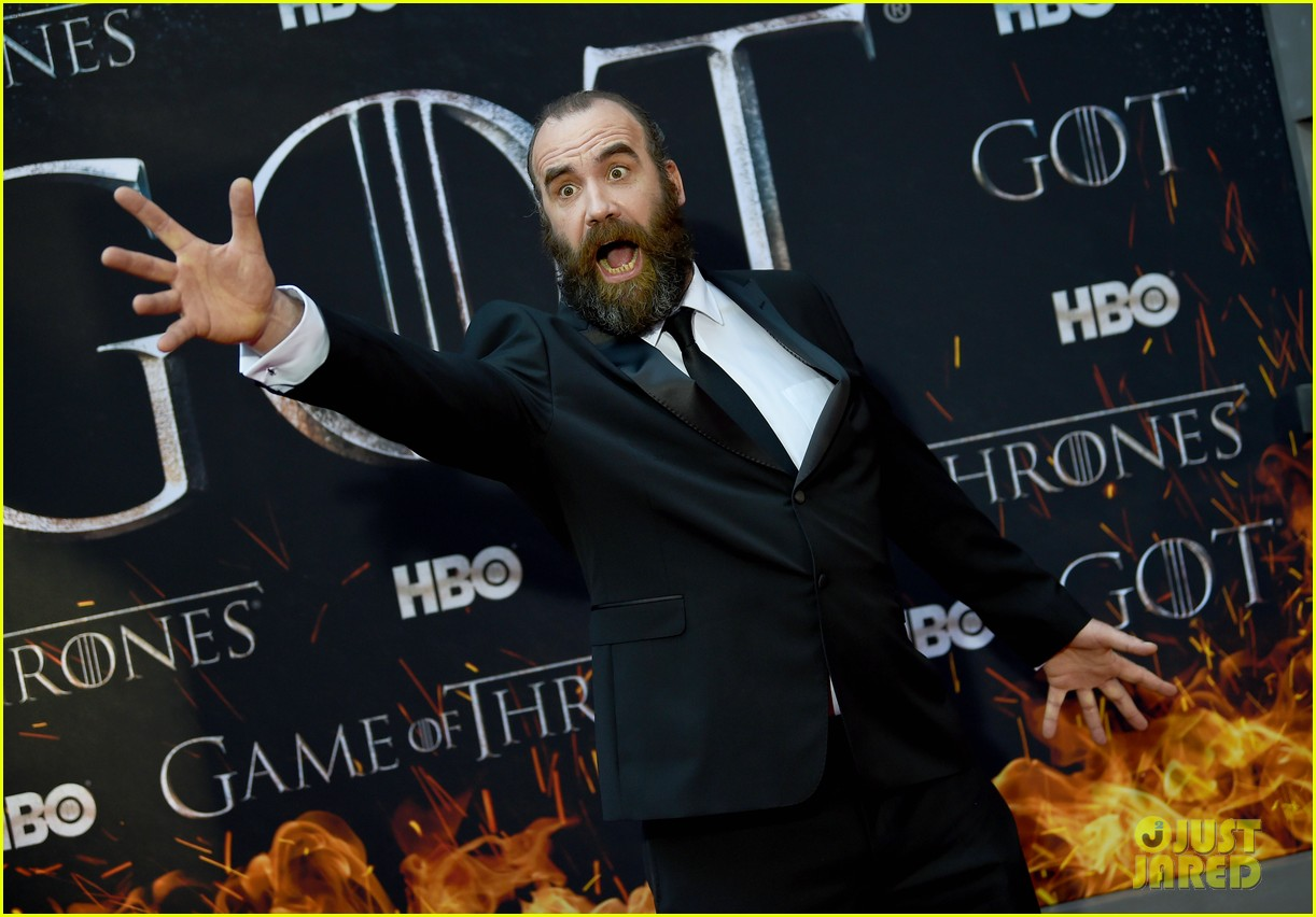 jason momoa and peter dinklage join game of thrones cast at season 8 premiere 144266873
