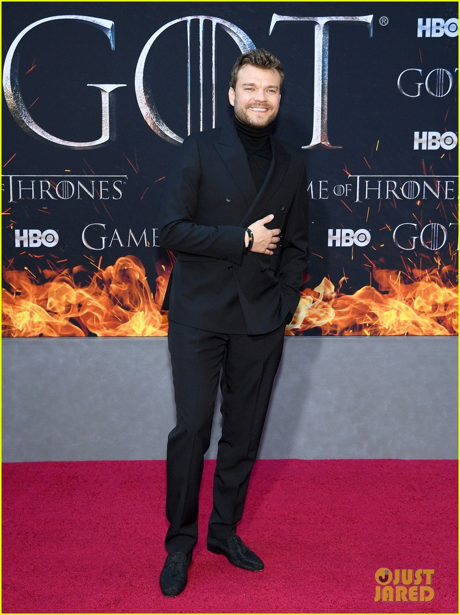 jason momoa and peter dinklage join game of thrones cast at season 8 premiere 174266876
