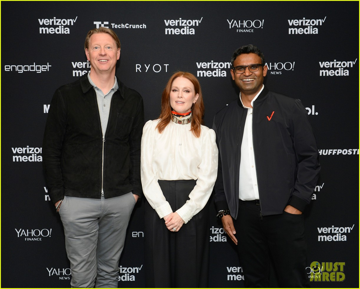 julianne moore attends verizon media upfronts 03