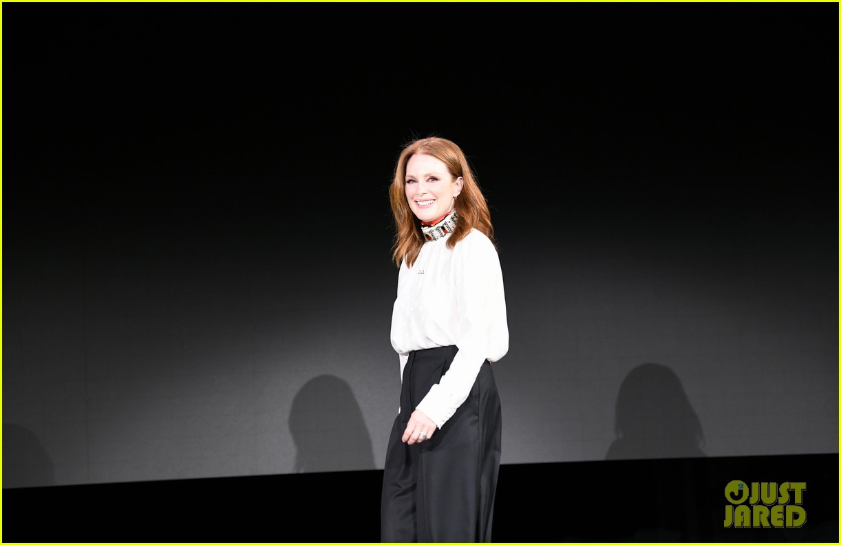 julianne moore attends verizon media upfronts 05