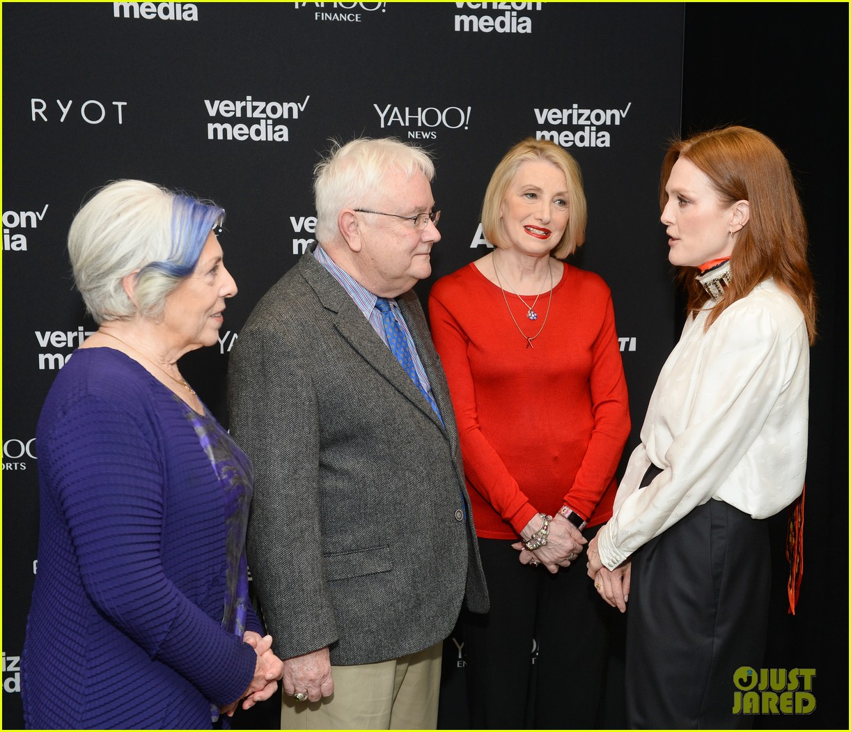 julianne moore attends verizon media upfronts 09