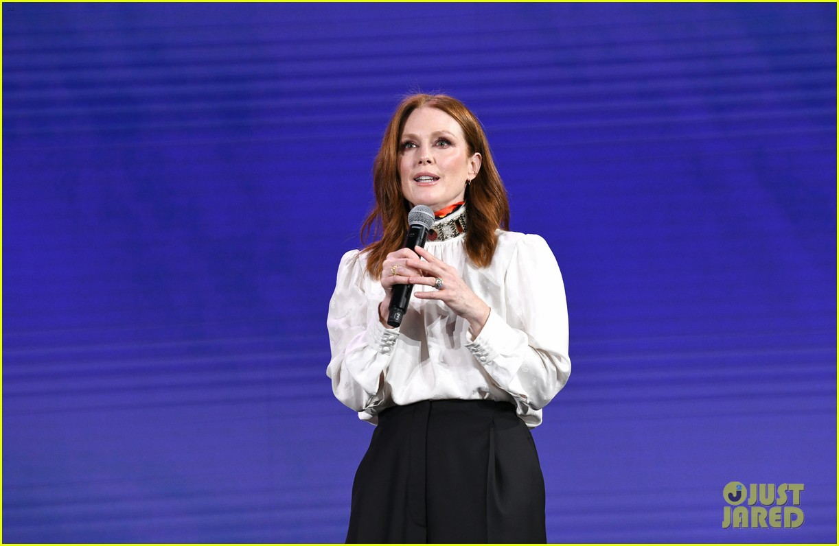 julianne moore attends verizon media upfronts 11