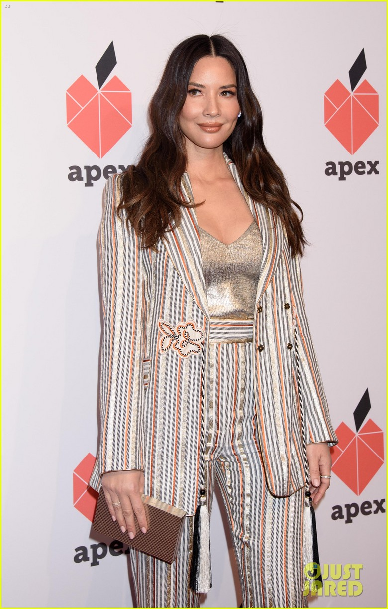olivia munn gemma chan get honored at apex for youths inspiration awards gala 09