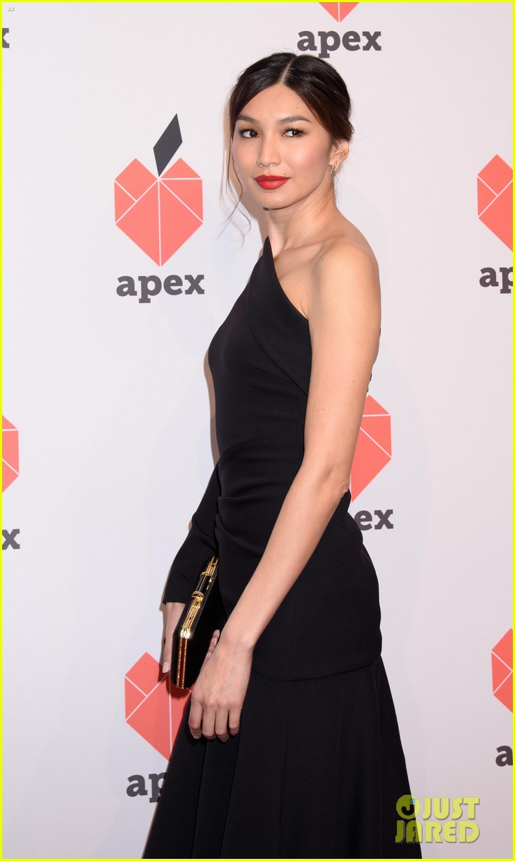 olivia munn gemma chan get honored at apex for youths inspiration awards gala 10
