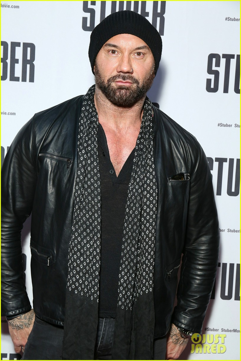 kumail nanjiani dave bautista team up in action comedy stuber 084278319