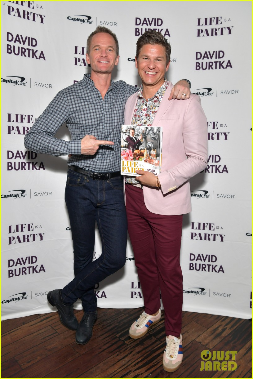 neil patrick harris christina hendricks david burtka book event 05