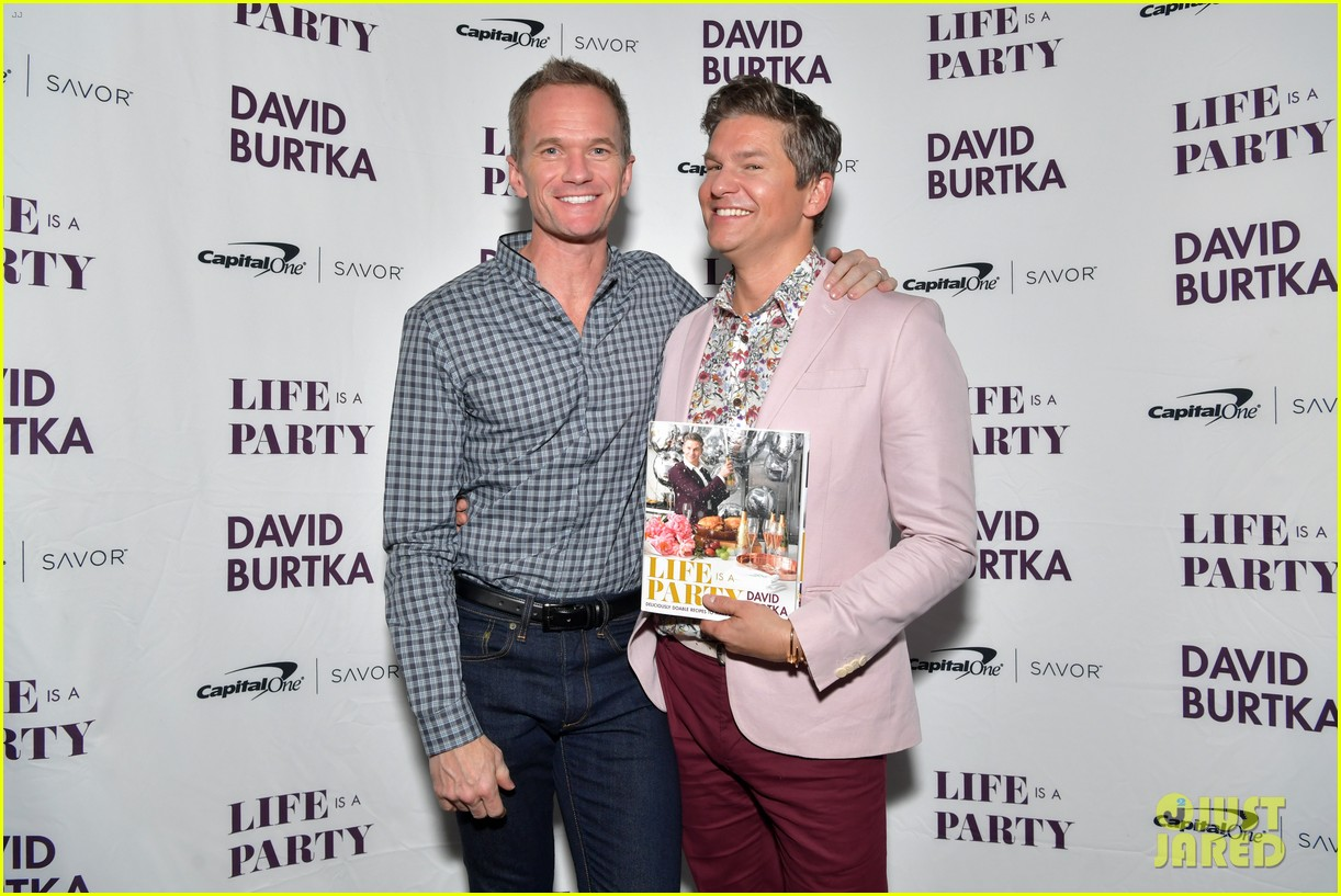 neil patrick harris christina hendricks david burtka book event 08