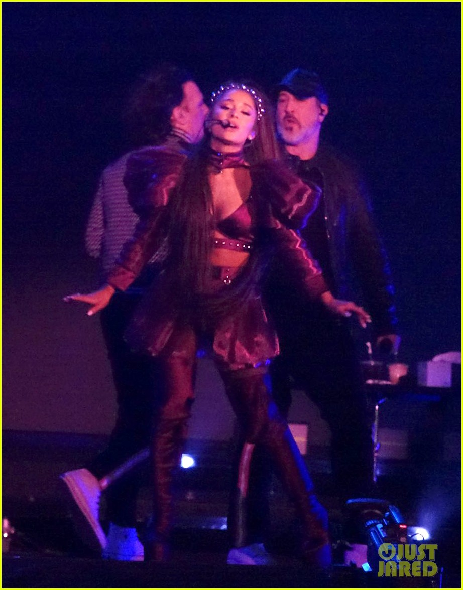 nsync join ariana grande on stage for coachella set 034273203