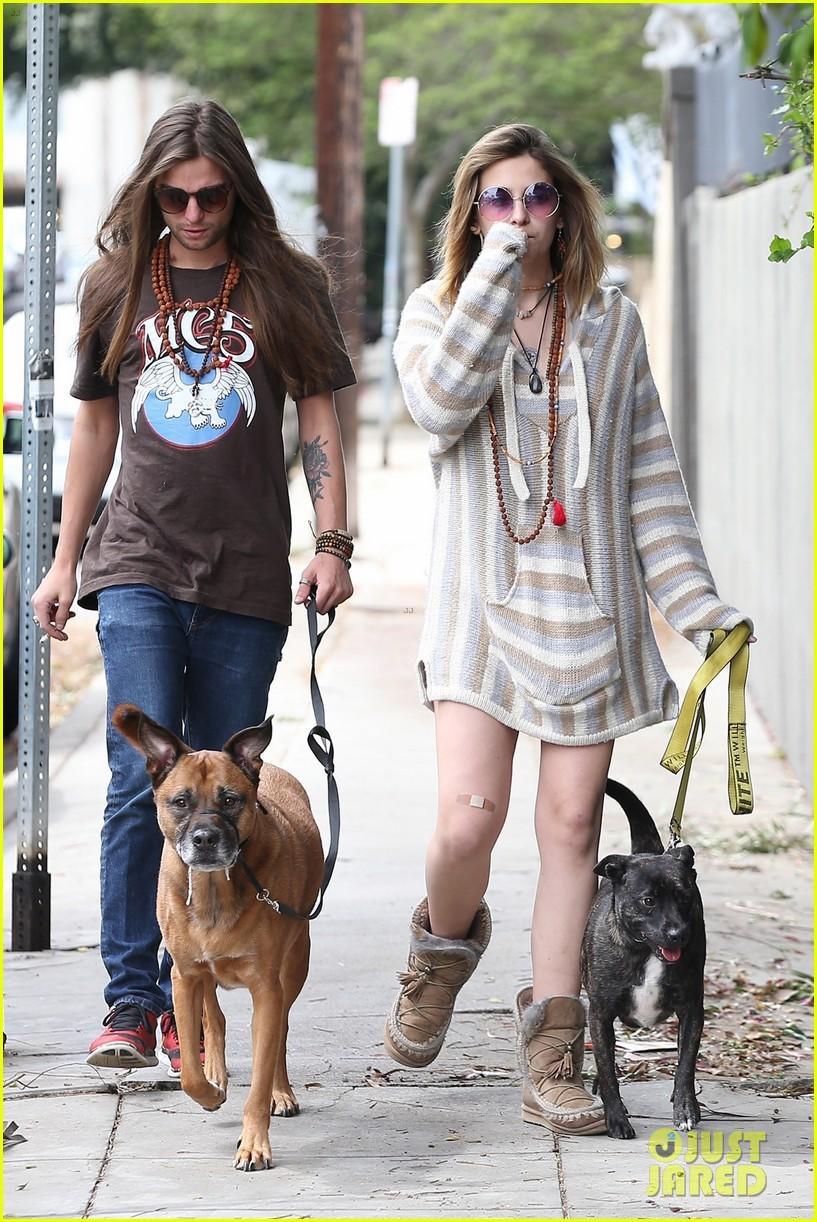 paris jackson gabriel glenn dogs walk la 044271413