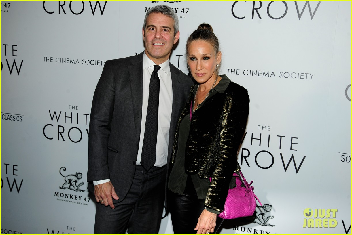 sarah jessica parker reunites with sex and the citys mikhail baryshnikov at the white crow 124276504