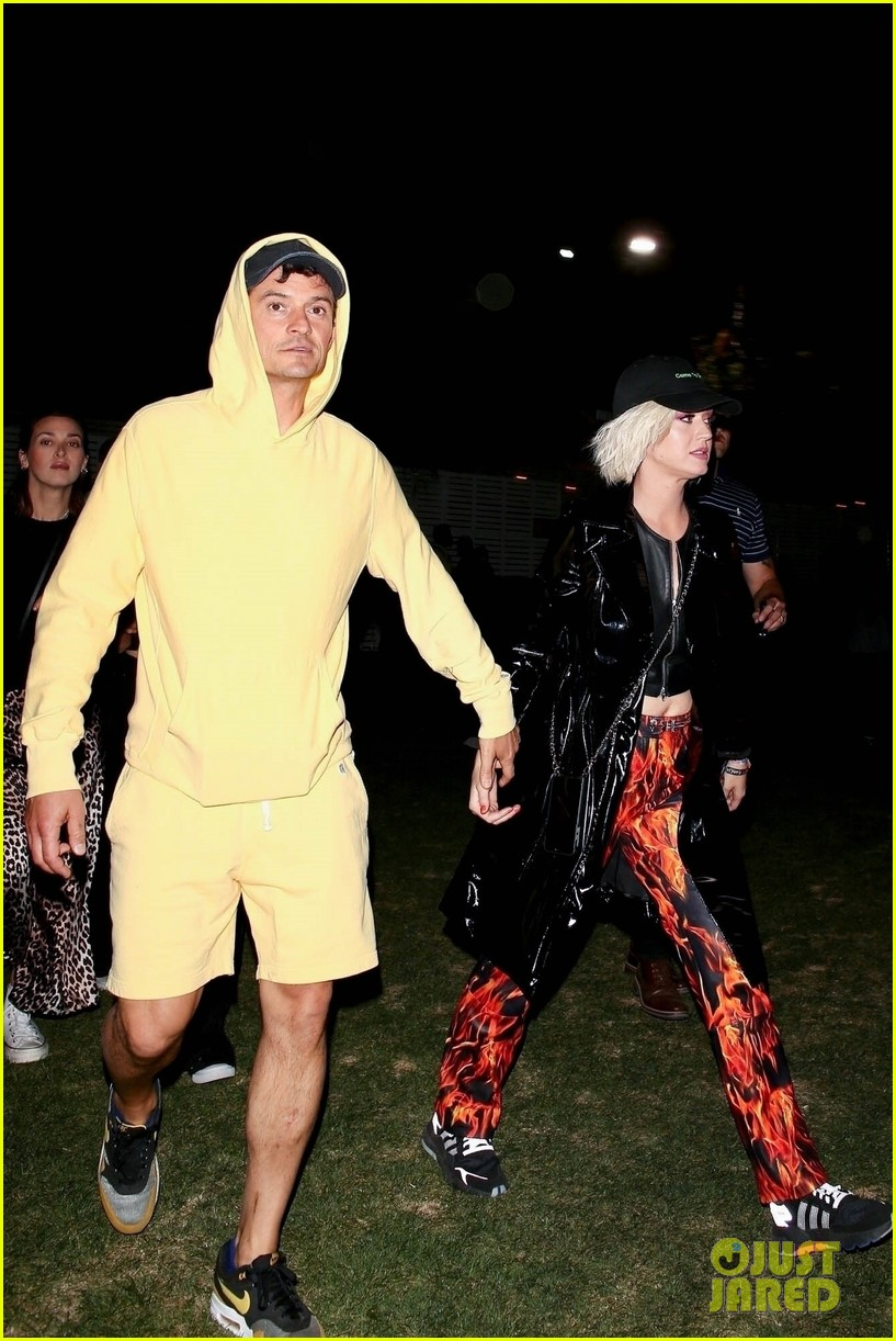 katy perry orlando bloom coachella pda 05