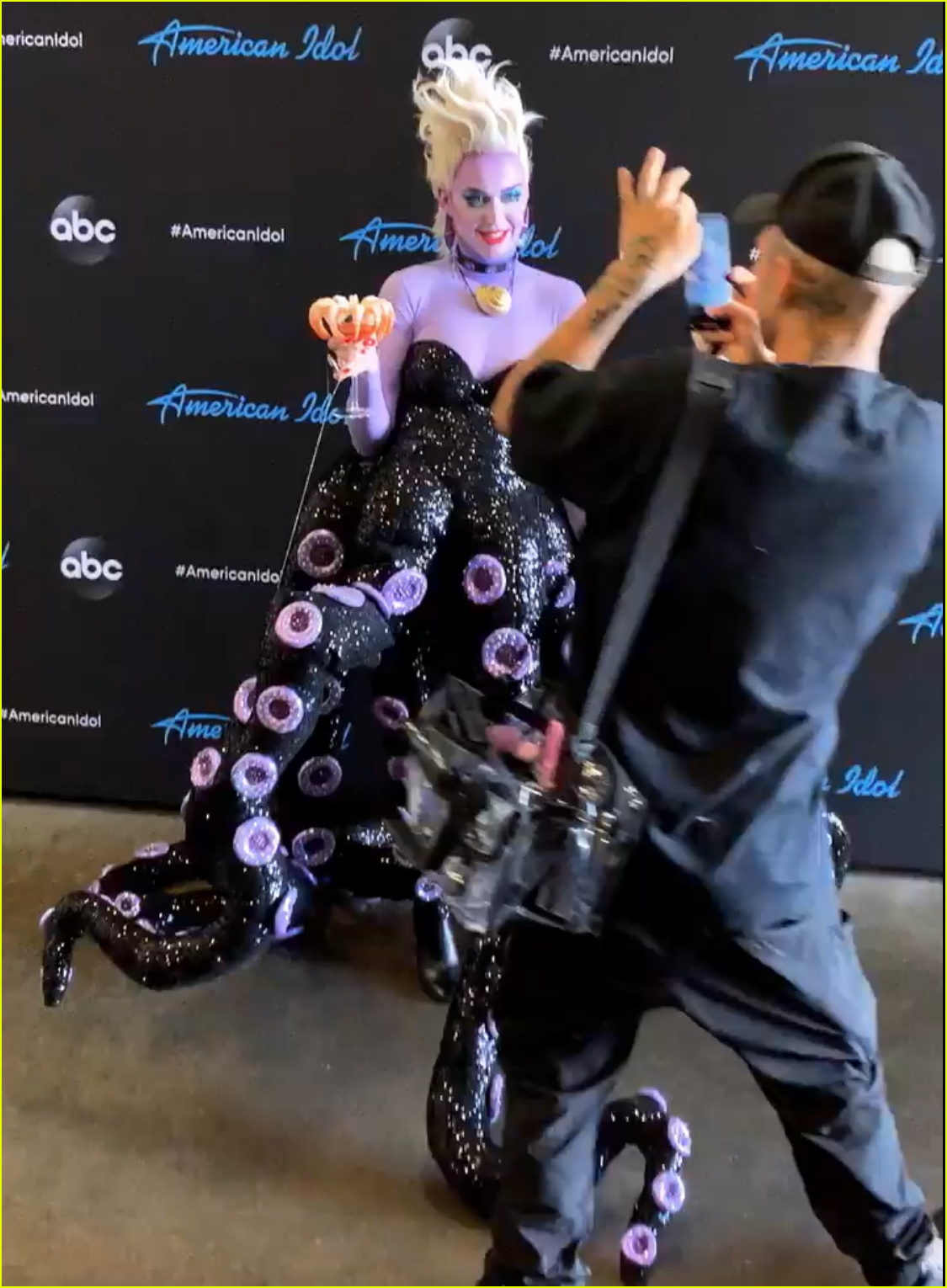 katy perry transforms into ursula for american idol 06