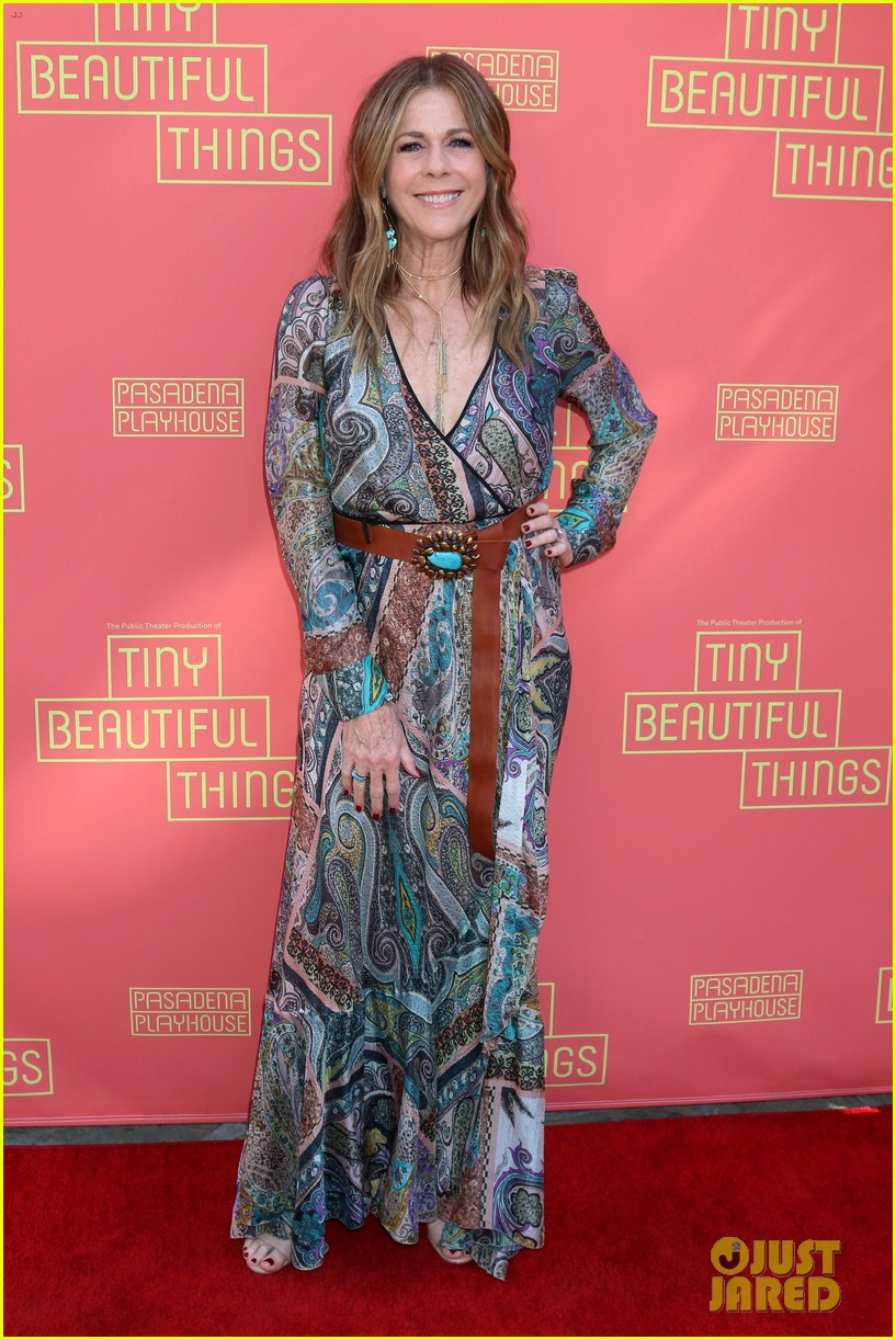 busy philipps nicole richie more support nia vardalos at tiny beautiful things opening night 03