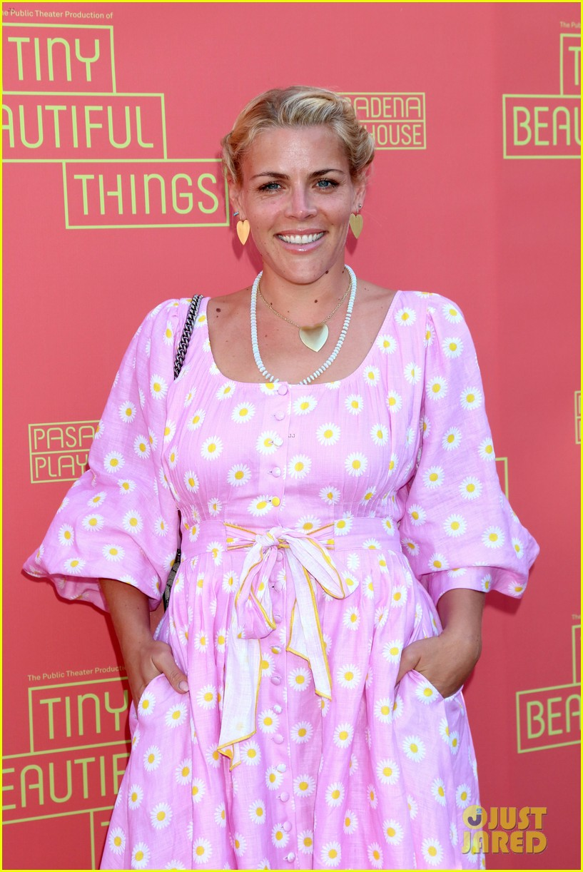 busy philipps nicole richie more support nia vardalos at tiny beautiful things opening night 04