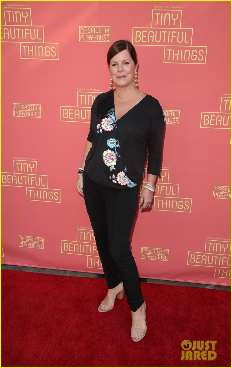 busy philipps nicole richie more support nia vardalos at tiny beautiful things opening night 12