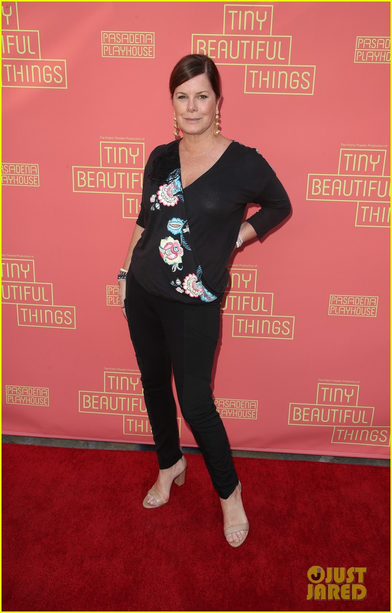 busy philipps nicole richie more support nia vardalos at tiny beautiful things opening night 13