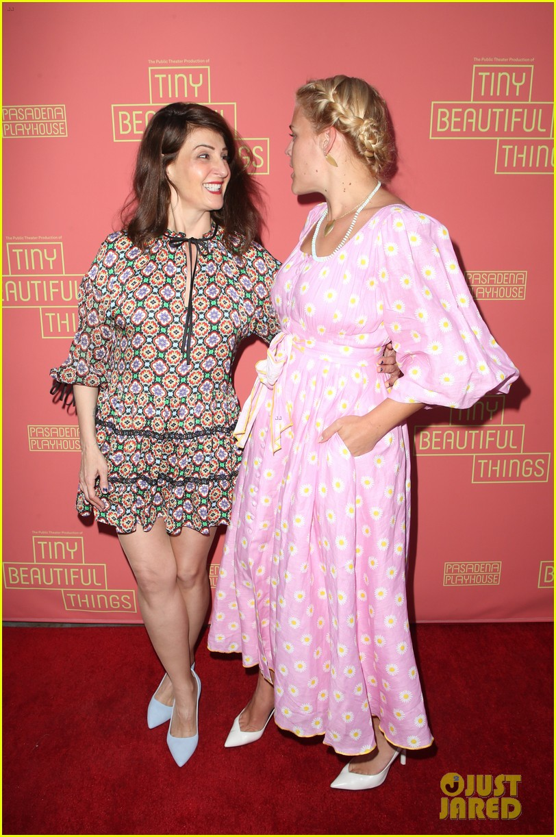 busy philipps nicole richie more support nia vardalos at tiny beautiful things opening night 244273320