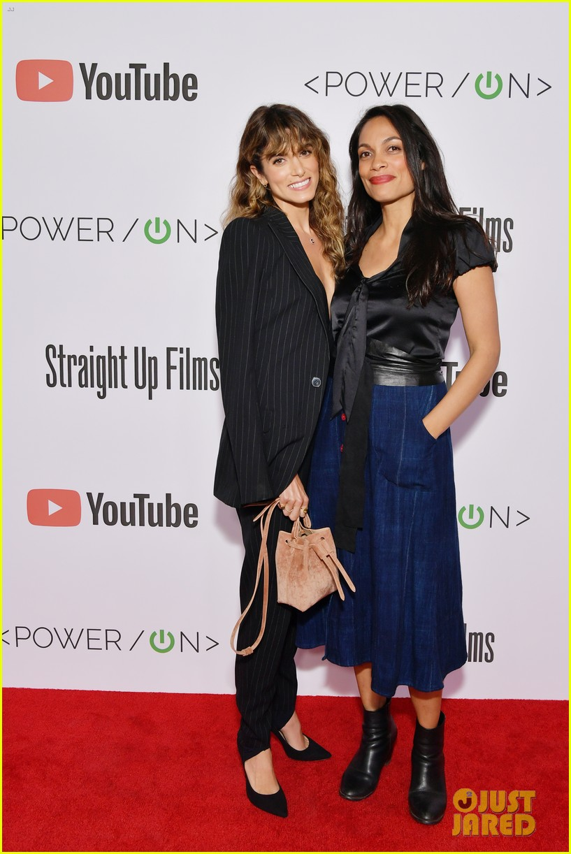 nikki reed rosario dawson team up for power on film series premiere 034277639