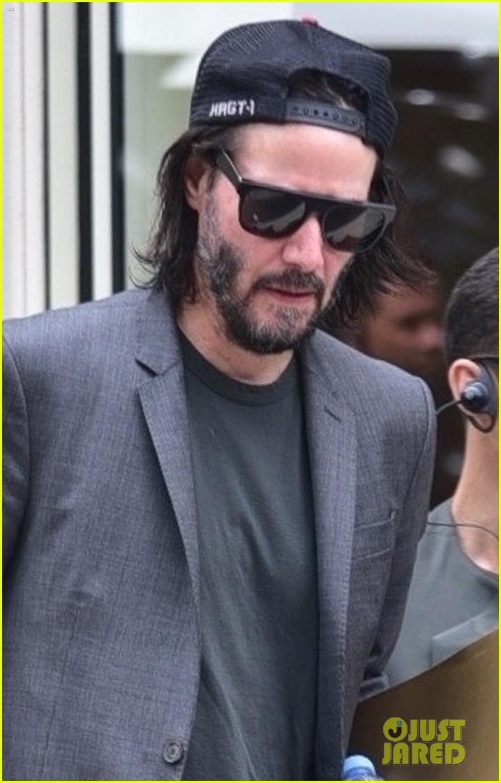 keanu reeves meets with the governor of brazil 06