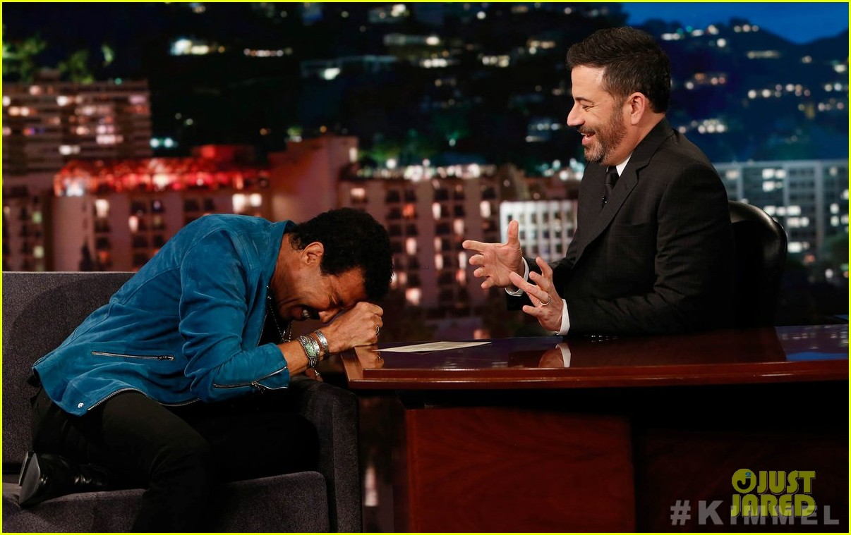 lionel richie says stevie wonder pranked him by driving a car 08