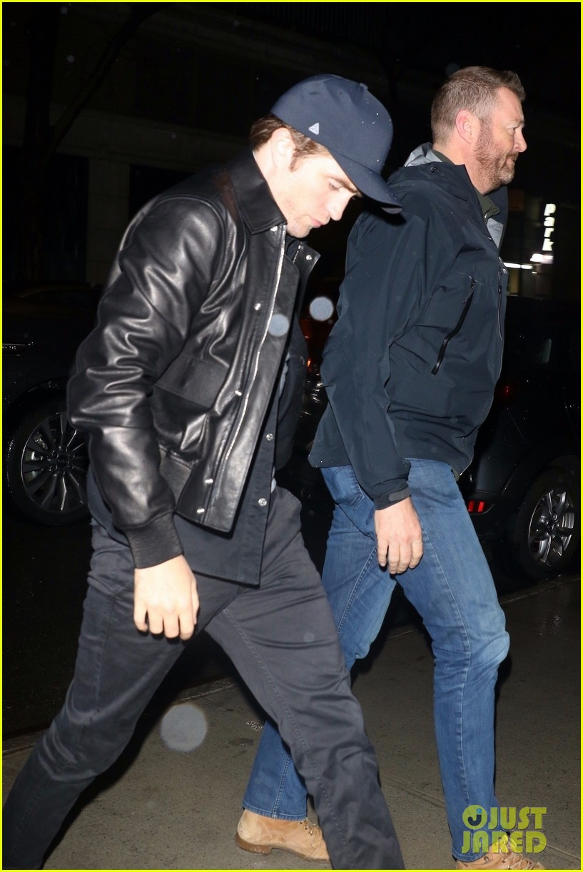 robert pattinson checks out of his hotel in nyc 01