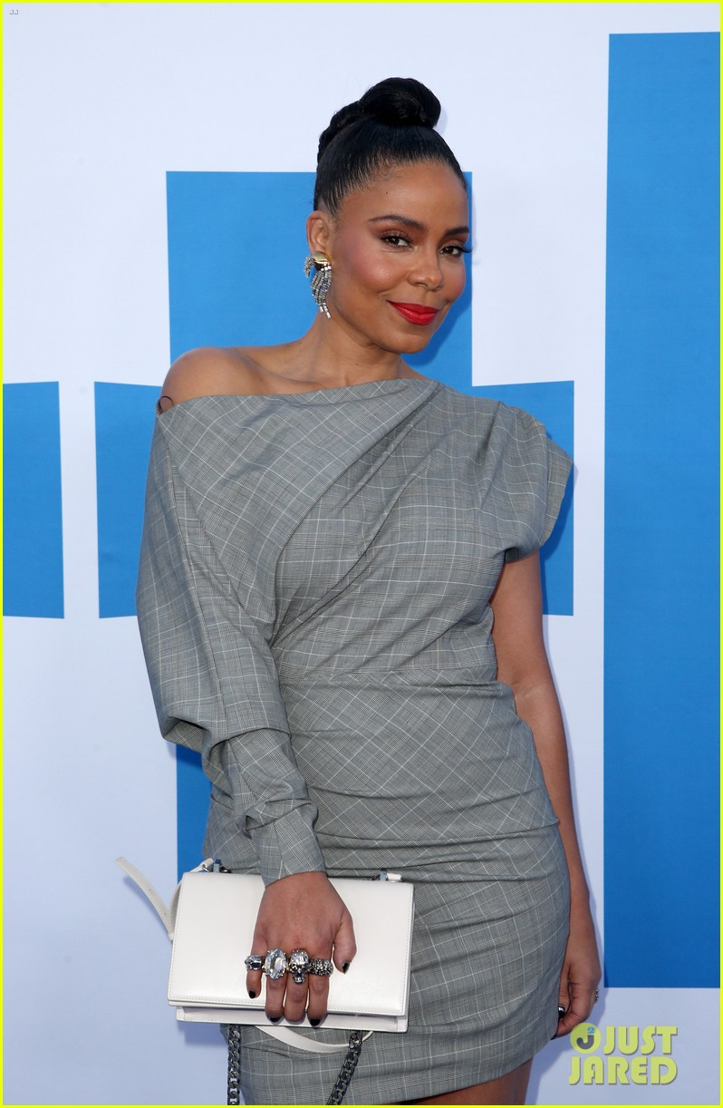 kelly rowland janelle monae support little cast at l a premiere 12