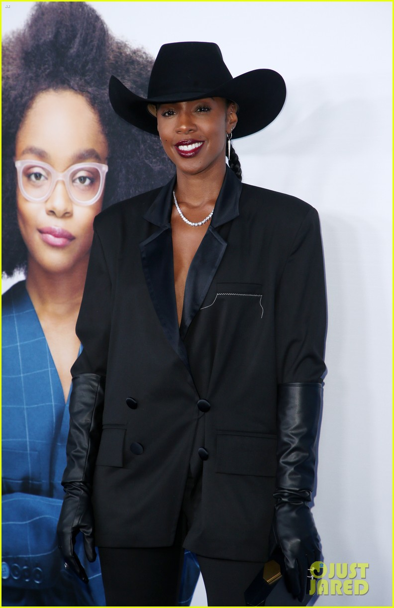 kelly rowland janelle monae support little cast at l a premiere 16